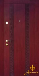 Двері з вишивкою