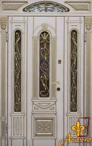 Вхідні двері з порталом