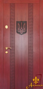 Двері з тризубом